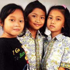 Cultural Observations, #3: Muslim Kids Believe inSanta