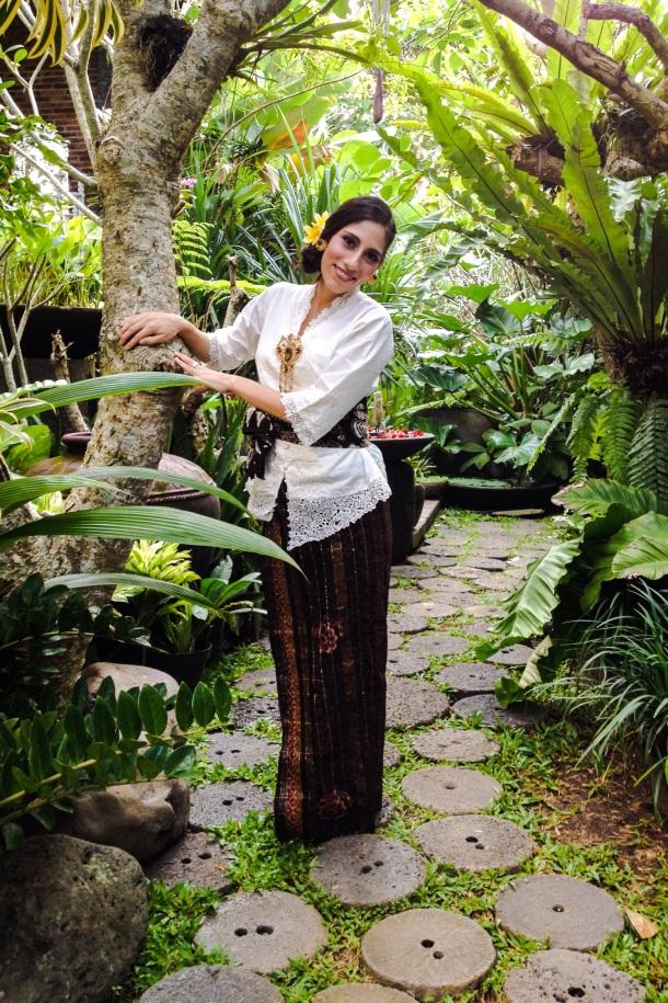 Balinese Traditional Clothing.jpg